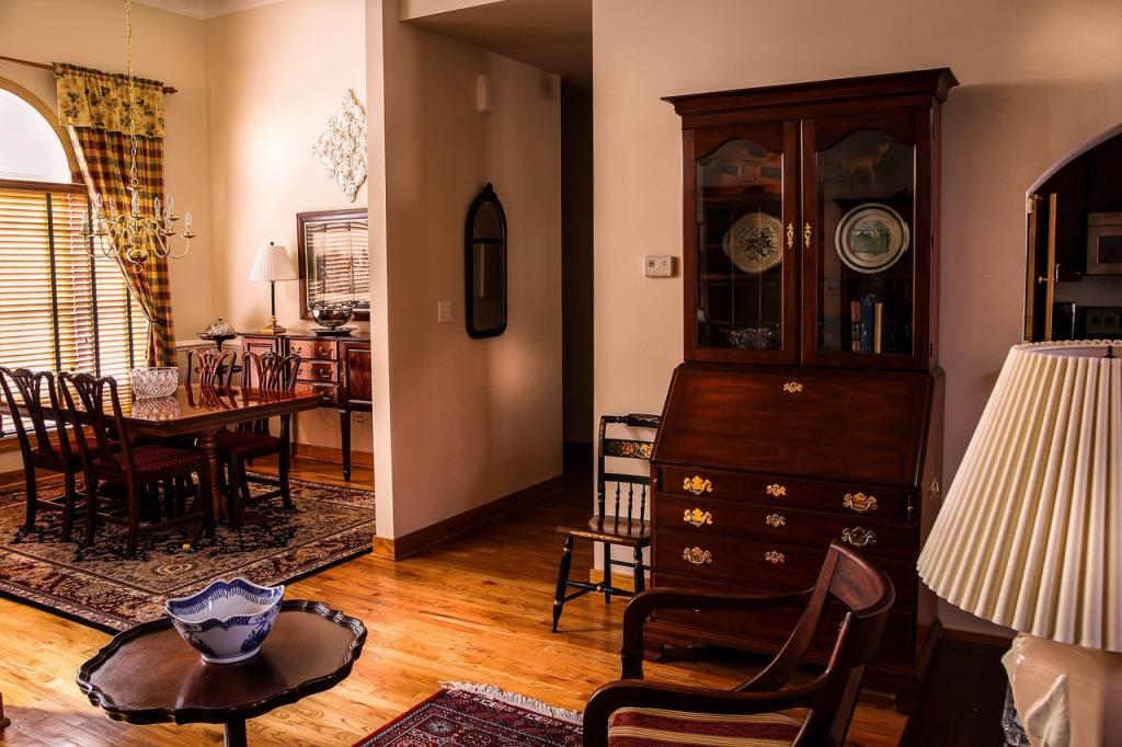 dining-room-670242_1280