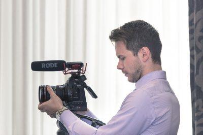 Videofilmowanie wesel - czy warto zatrudnić profesjonalistę?